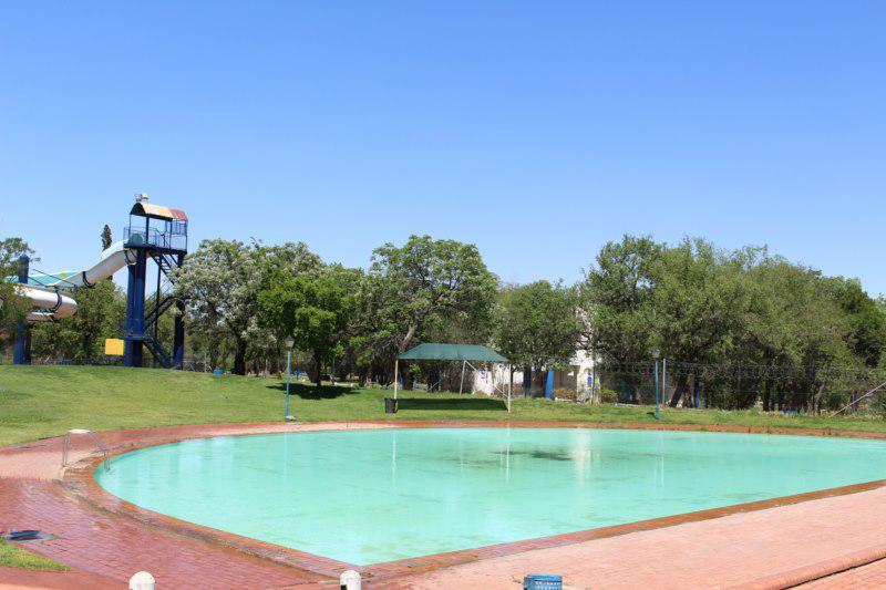 Kroonpark holiday resort kroonstad free state caravan camping and self catering chalet Linden public swimming pool johannesburg